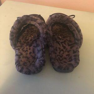 Vionic 9 slippers